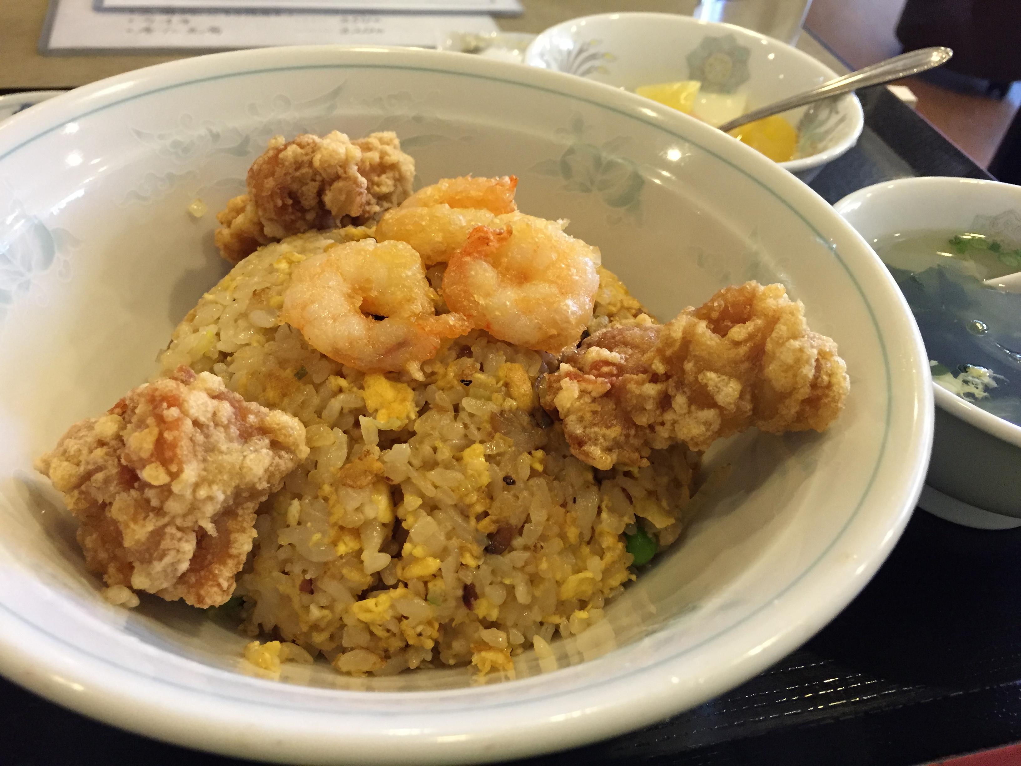 【珠海】五目炒飯。杏仁豆腐も付いてるよ♪