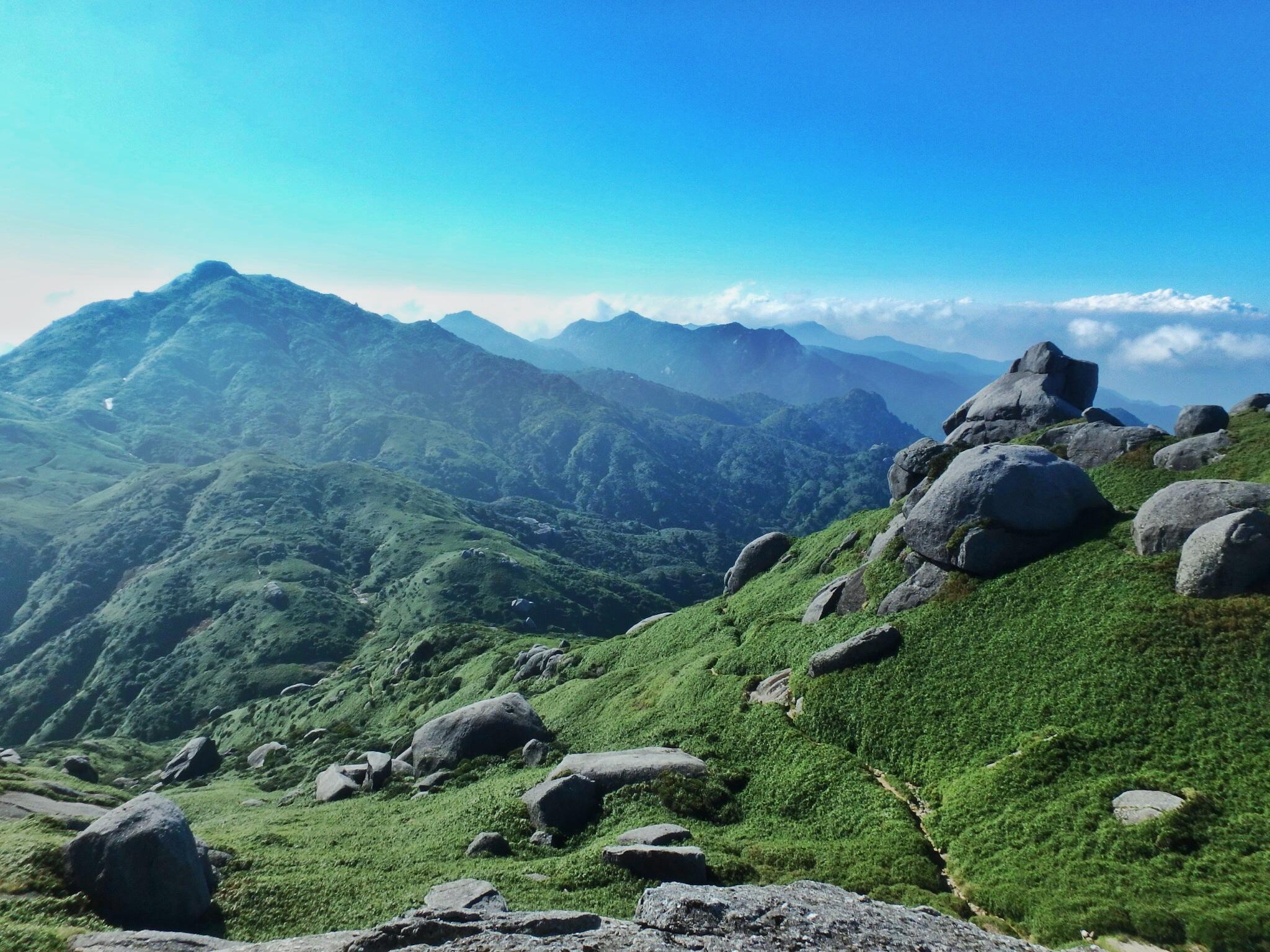 2015年に登った山、屋久島永田岳から眺めた宮之浦岳の景色は一生忘れない