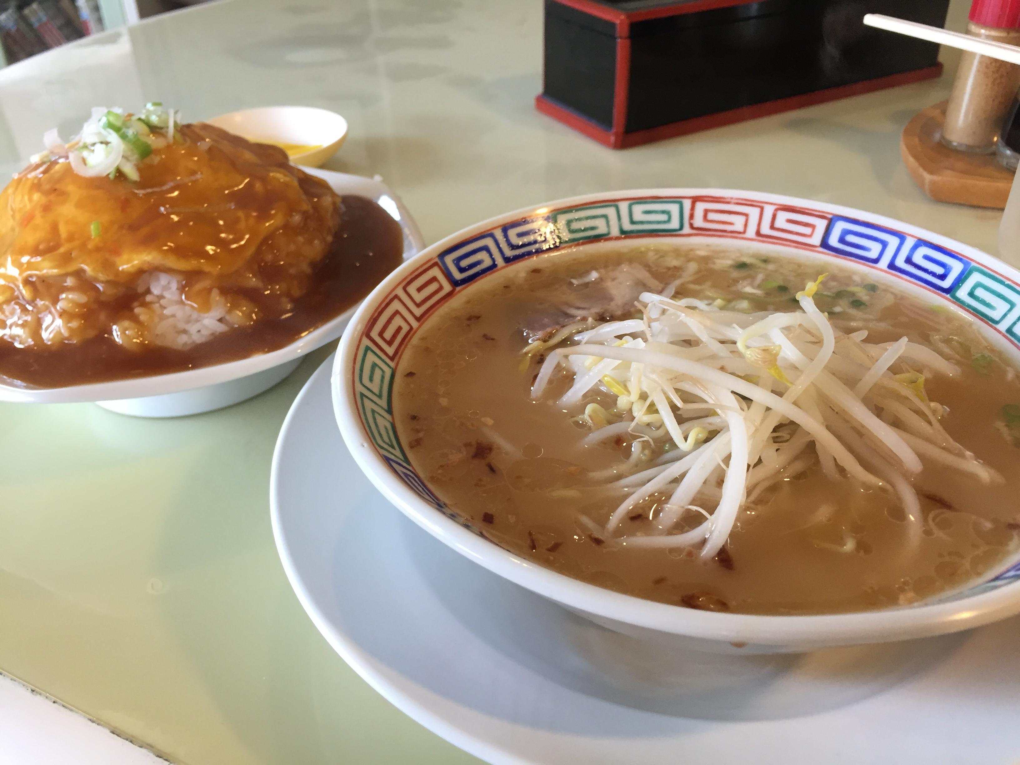 爵肆庵のラーメン&天津飯